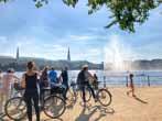 """Plakat: Alster Radtour – """"Kleine Stadtflucht"""""""