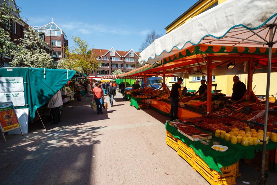 Bild: Wochenmarkt in der Alten Elbgaustraße