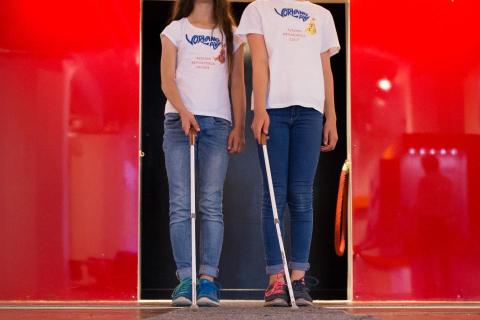 Bild: DIALOG IM DUNKELN - Eingang der Ausstellung