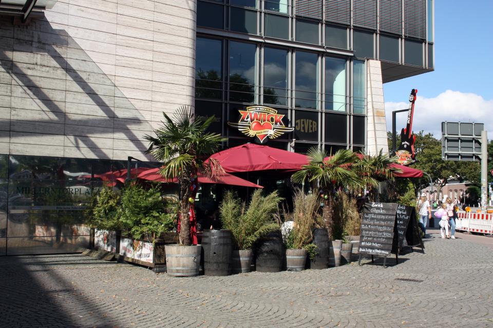 Bild: Treffpunkt: Vor dem Restaurant Zwick