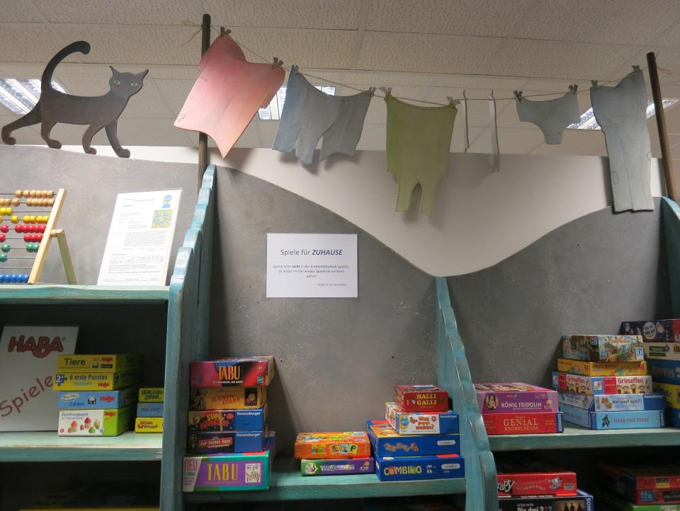 Bild: Spiele in der Bücherhalle Lokstedt