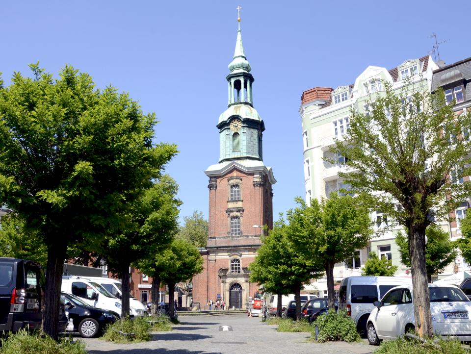 Bild: Dreieinigkeitskirche St. Georg