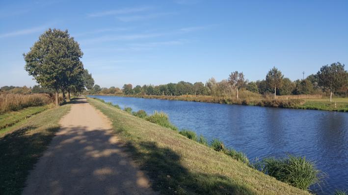 Bild: Zum Elbe-Lübeck-Kanal und Zurück