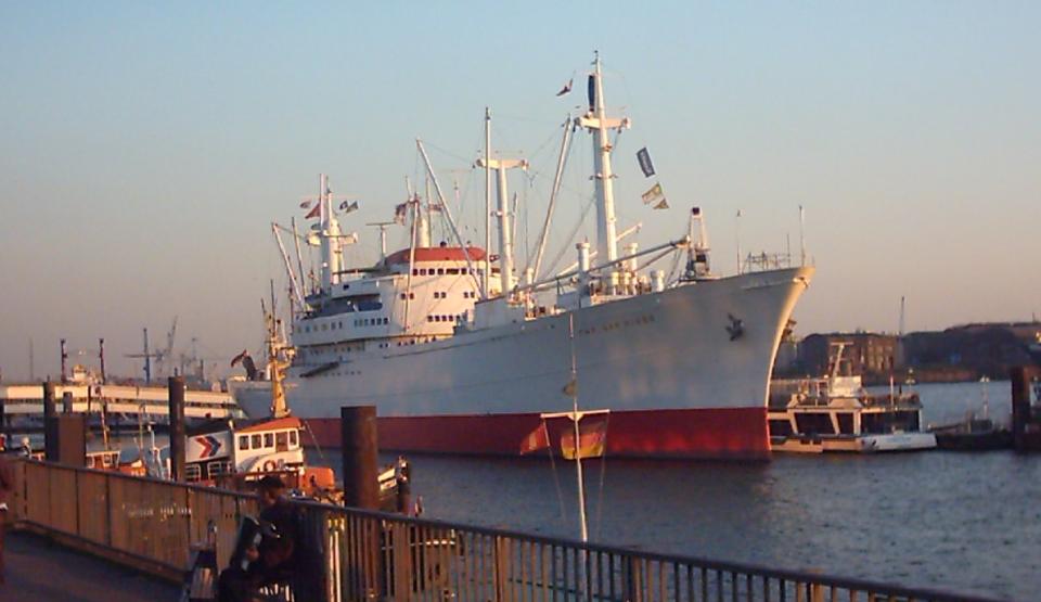 Bild: Zur Cap San Diego ... mit Schiffsführung