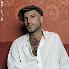 Bild: Jan Plewka singt Rio Reiser