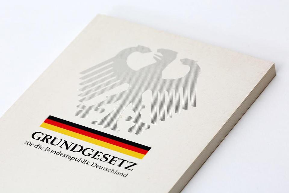 Bild: reinbek-zeigt-flagge-foto-ausstellungsplakat