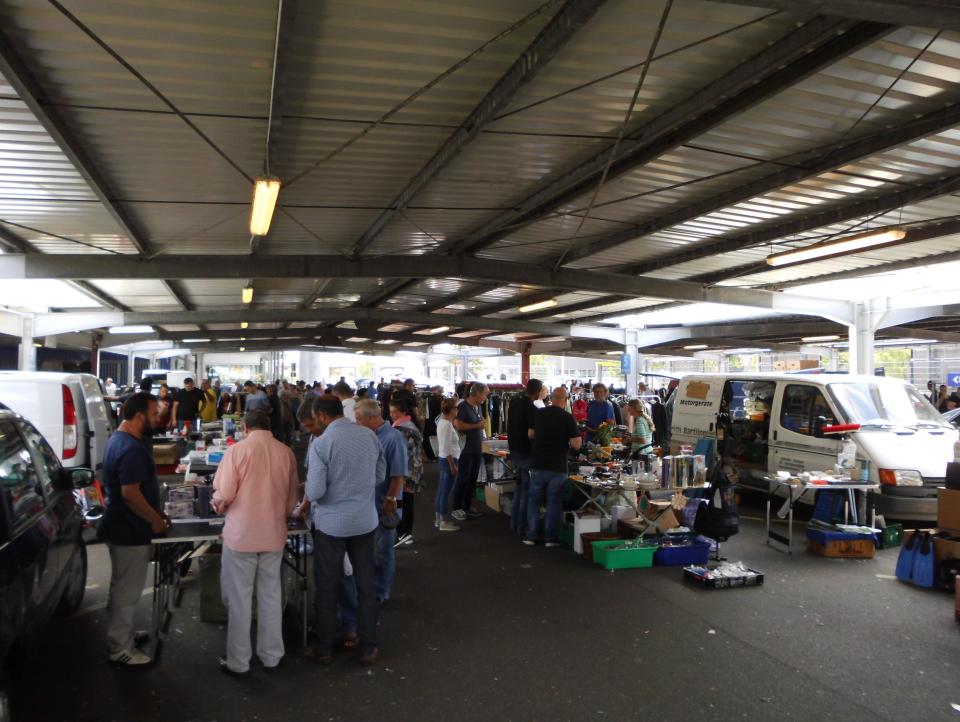 Bild: Flohmarkt bei der METRO in HH-Harburg