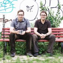 Bild: 11 Freunde Live - Köster & Kirschneck lesen vor und zeigen Filme