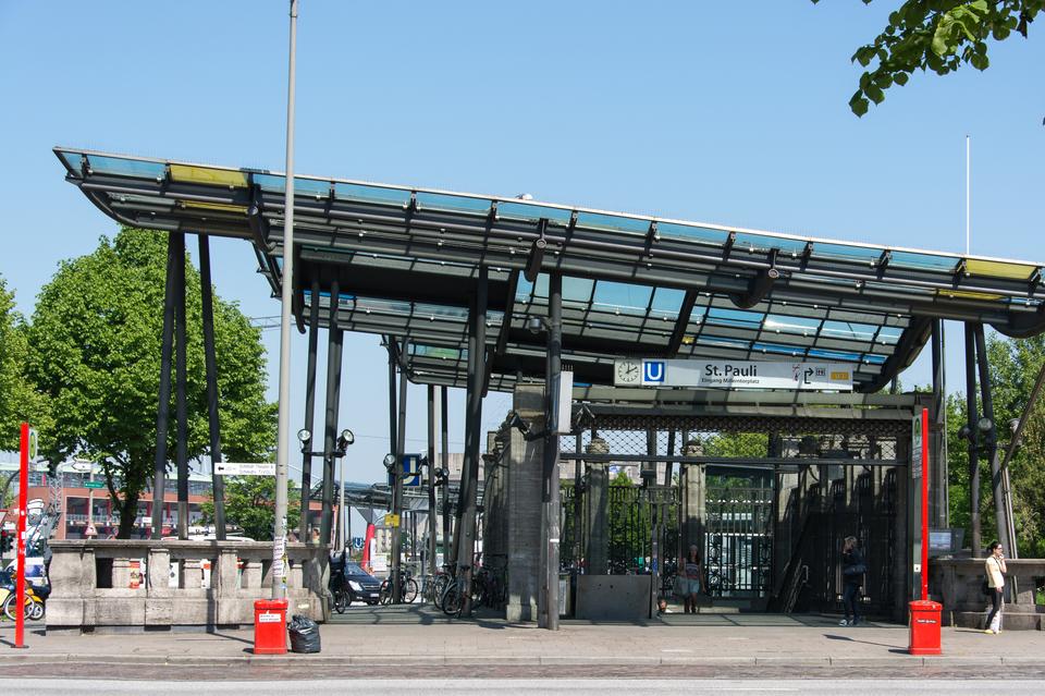 Bild: Treffpunkt: U-Bahnhof St. Pauli (Ausgang Millerntorplatz)