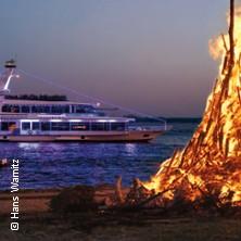 Bild: Fahrt entlang der Osterfeuer