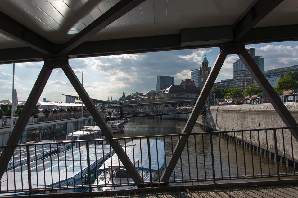 Bild: Bei den St.Pauli Landungsbrücken
