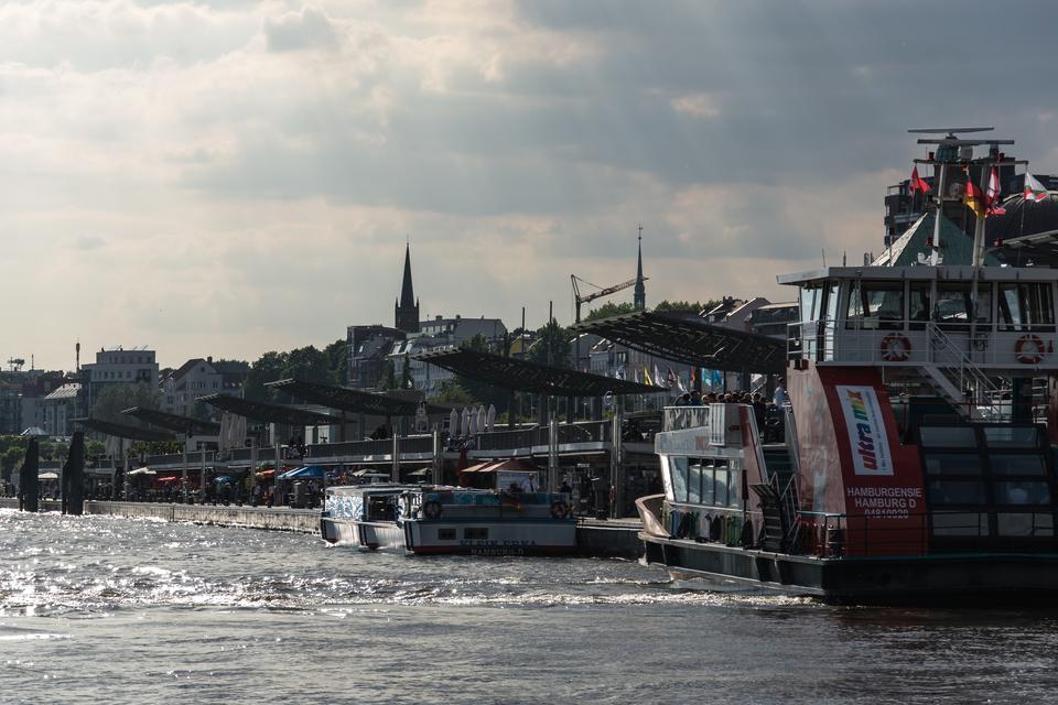 Bild: St. Pauli Landungsbrücken
