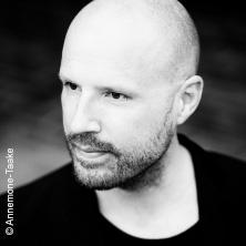 Bild: Christopher von Deylen - Piano und Elektronik