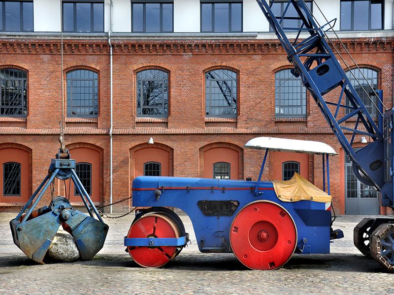 Bild: Objekte auf dem Museumshof
