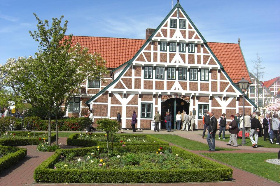 Bild: tourismusverein-altes-land-ev-rathaus-jork