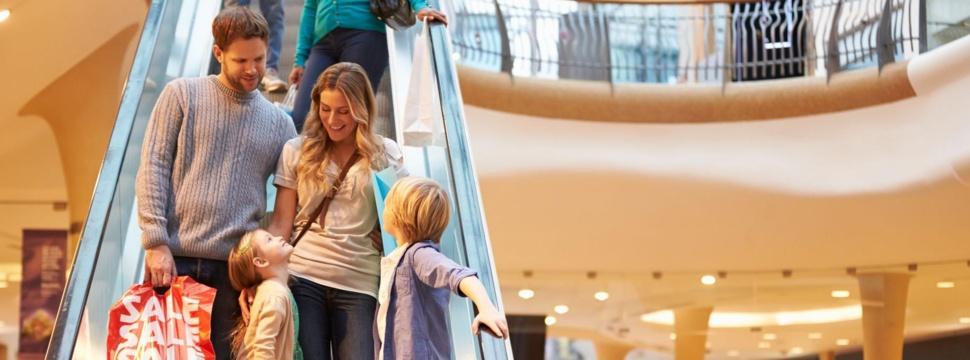 Einkaufszentrum, © ISTOCK.COM/monkeybusinessimages