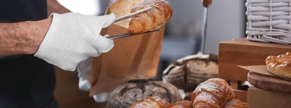 Croissant, © iStock.com/serezniy