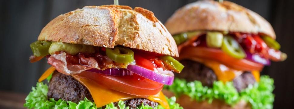 Burger, © iStock.com/Shaiith