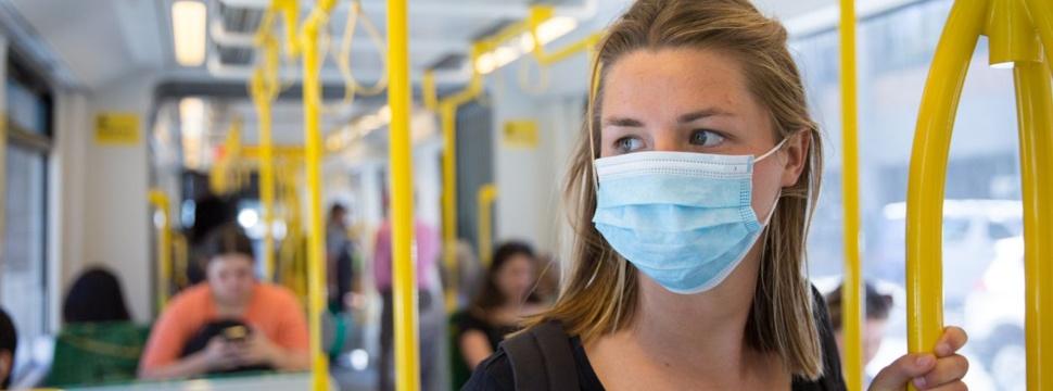 Maskenpflicht im öffentlichen Personennahverkehr, © iStock.com/CraigRJD