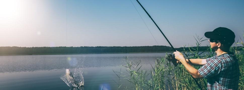 Angeln am See, © iStock.com/scyther5