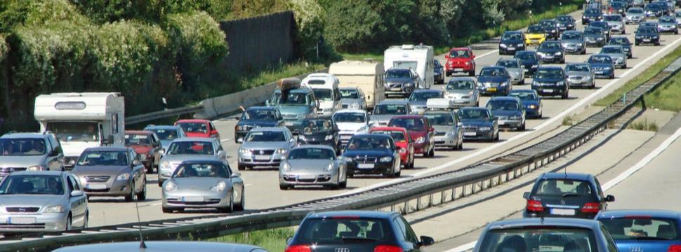 Stau auf der Autobahn, © hamburg-magazin.de