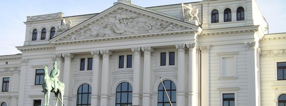 Das Altonaer Rathaus, © hamburg-magazin.de