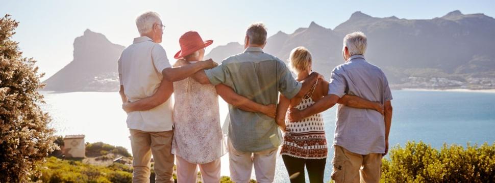 Nichts wie weg: Best Ager auf Tour, © iStock.com/monkeybusinessimages