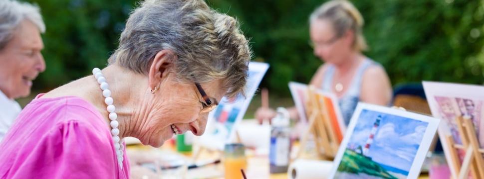 Senioren beim Hobby, © iStock.com/Horsche