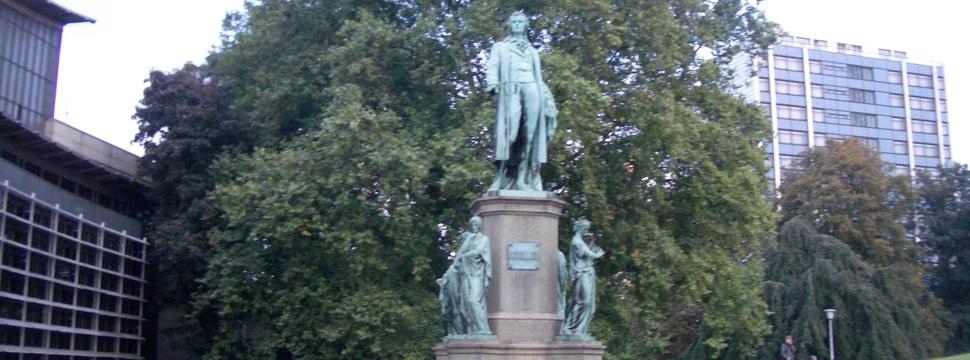 Schiller-Statue am Dammtor, © hamburg-magazin.de
