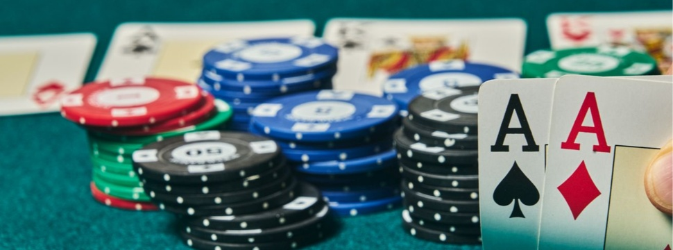Glücksspiel, © iStock.com/serjunco