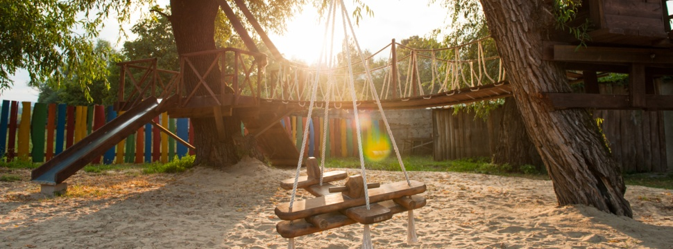 Special Spielplatz, © iStock.com/Ruslanshug