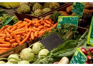Wochenmarkt am Duvenstedter Markt