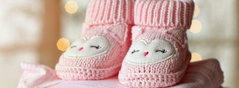 Kinderkleidung und Babyschuhe, © Terri Cnudde / pixabay.com