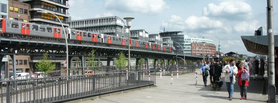 U3 im Stadtteil Hamburg-Neustadt, © Bernd Sterzl / www.pixelio.de