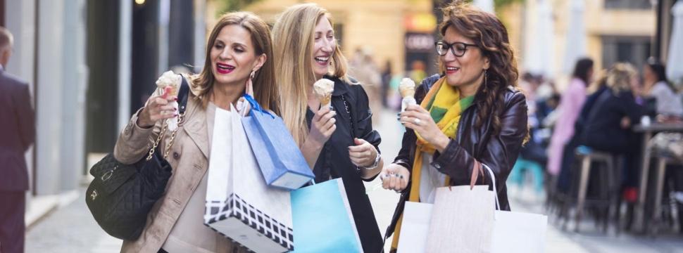 Shopping in Hamburg, © iStock.com/Sladic
