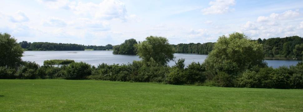 Öjendorfer See, © Wikiman7002 - Eigenes Werk, CC BY-SA 3.0, https://commons.wikimedia.org/w/index.php?curid=4371761