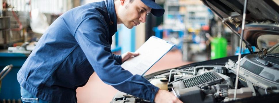 Probleme mit dem Auto? – Das müsst ihr wissen!, © Caroobi/shutterstock.com